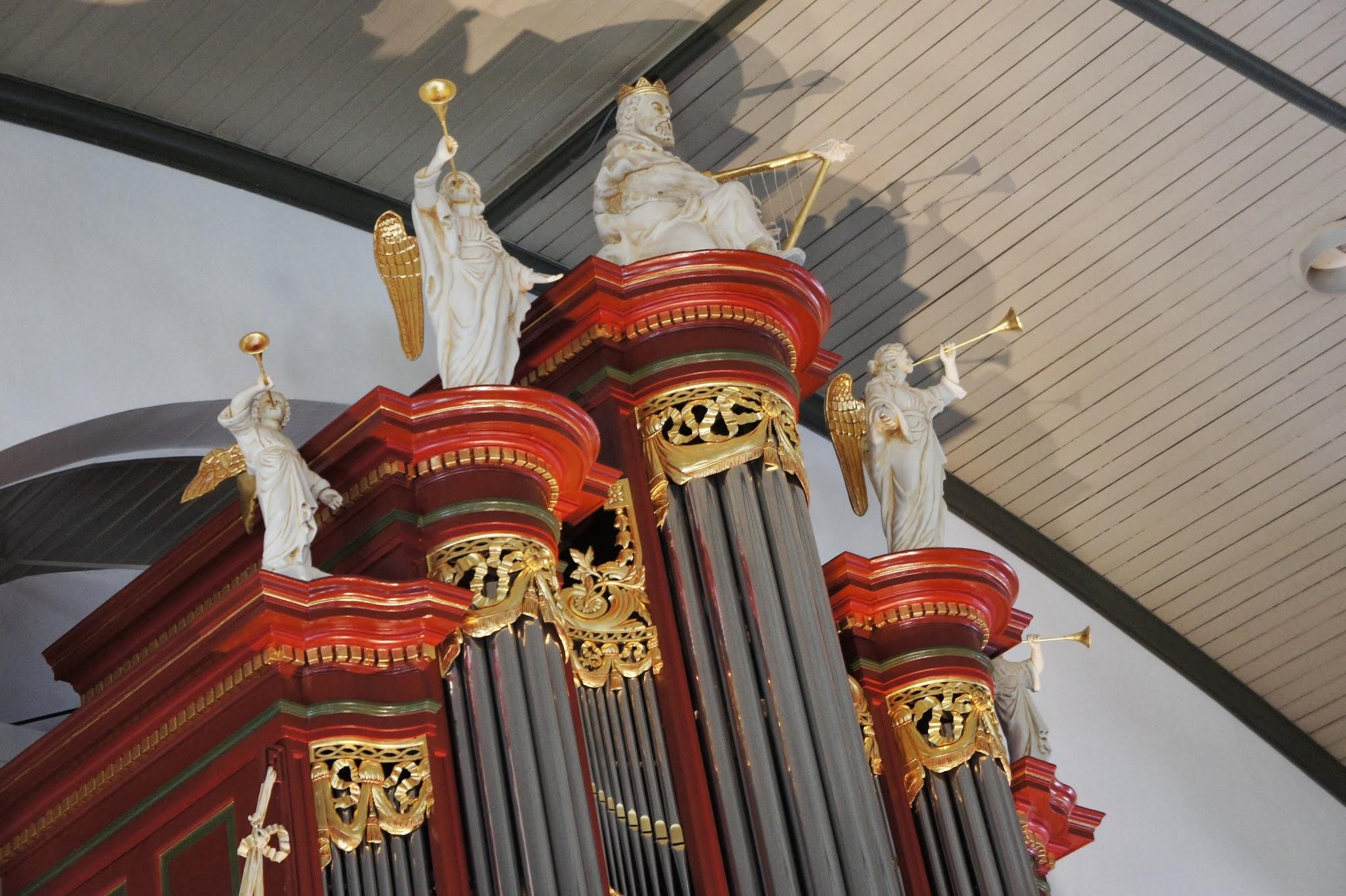 Ga naar alle Kerkorgels op Urk.